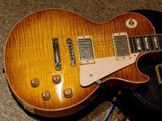 1959 Gibson Les,Paul (Reissue?) newer case.
