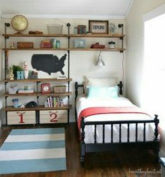 Little boy's airplane room. Superheroes are pretty cool! Here are some awesome boy's rooms to get our creative juices flowing! These are all so darling! Red and Grey Boy's Room Vintage Airplane Boy's Room Industrial. Airplane Room, Ideas Dormitorios, Superhero Room, Industrial Shelving, Pipe Shelving, Industrial Style, Rustic Shelving, Industrial Boys Rooms, Industrial Pipe