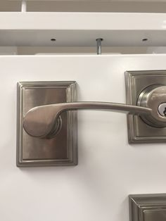 1000 images about glandon residence on pinterest brushed nickel cabinet hardware and bath for Interior door handles with backplates