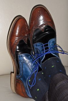 Don't like the socks; Love the shoes. Mens Shoes Boots, Shoe Boots, Spectator Shoes, Gentleman Shoes, Mens Fashion Shoes, Men's Fashion, Well Dressed Men, Hot Shoes, My Guy