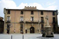 Centelles. Palacio casa señorial en venta. Ideal residencial o asistencial. Barcelona