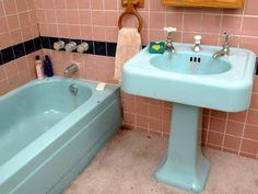 Bath Room Blue Bathtub Tile 53 Ideas For 2019 Painting Bathroom Tiles, Painting Bathtub, How To Paint Bathtub, Ceramic Tile Bathrooms, Spray Painting, Blue Bathtub, Bathtub Tile, Bathtub Reglazing, Tile Refinishing