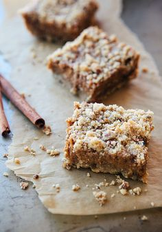 I've got to try this fall treat... pumpkin pie bars