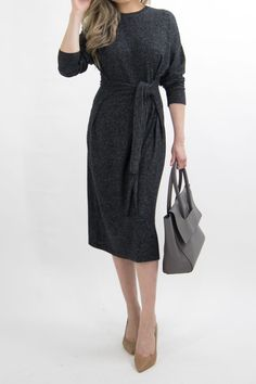 business-casual-dress-women-work-office-professional-outfit-essentials-miss-louie-38