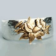 Daffodil Aimez Birth Month Cuff Bracelet (March) The Aimez cuff bracelets are made of pewter with sterling silver overlay on the cuff and a 14 karat gold overlay on the flower. Each cuff has a flower that symboliz Gold And Silver Bracelets, Sterling Silver Jewelry, Silver Earrings, Women Accessories, Jewelry Accessories, Jewelry Design, Daffodils, Jewelry Bracelets, Rings For Men