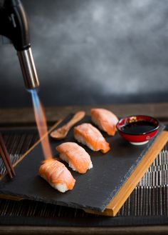 Sushi Nigiri is my favorite kind of sushi, and this recipe is inspired by an amazing sushi restaurant bar I went to one time, and by how much I love sushi. Nigiri Sushi, B Food, Food Porn, Kinds Of Sushi, Sushi One, Sushi Sushi, Sushi Platter, Salmon Sashimi, Taiwan Food