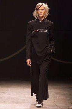 Yohji Yamamoto - Spring 2002 Ready-to-Wear