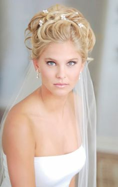 Simple,but beautiful up do .