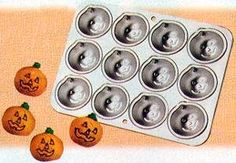 Wilton Petite Pumpkin Pan ** Check out the image by visiting the link. (This is an affiliate link) Pumpkin Shaped Cake, Cupcake Pans, Rice Crispy Treats, Gelatin, Cavities, Bakeware, Pumpkins, Home Kitchens, Kitchen Dining