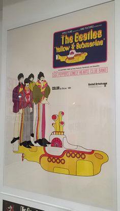 "Affiche américaine du film d'animation ""Yellow Submarine"", 1968  Dessin: Heinz Edelmann; réalisation: George Dunning"