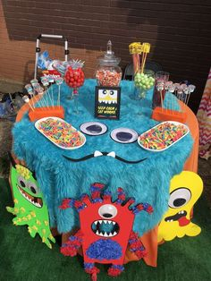 Check out the cool table settings at this Silly Monster Themed Birthday Party ! See more party ideas and share […] Little Monster Birthday, Monster 1st Birthdays, Monster Birthday Parties, First Birthdays, Boys First Birthday Party Ideas, Baby Boy 1st Birthday, Birthday Party Themes, Halloween Birthday, Halloween Foods