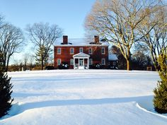 Get in the holiday spirit with an evening opening of Presqu'Isle's c.1815 manor house, with music and refreshments.