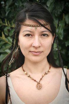 Tiara Indigena de Macrame con Brass por MacramaniaShop en Etsy