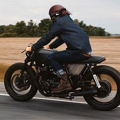 caferacersofinstagram's photo #riding #caferacer | caferacerpasion.com