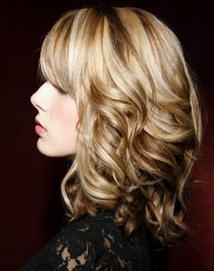 Chic Wavy Hairstyles for Medium Hair