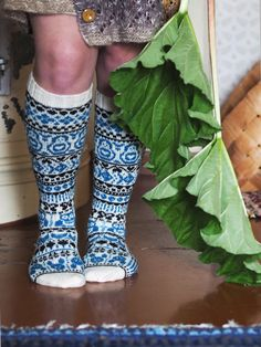 Huviretki-knitted socks by Niina Laitinen with Novita Venla #knitting #knit #villasukat #knittedsocks #raggsockor