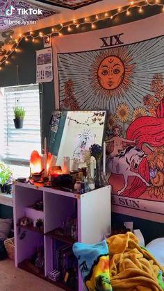 Indie Bedroom, Indie Room Decor, Cute Bedroom Decor, Room Design Bedroom, Room Ideas Bedroom, Bedroom Inspo, Retro Room, Vintage Room, Chambre Indie