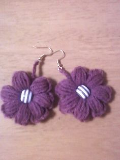 Crochet Shack: Flower earring.  Free pattern.  cute