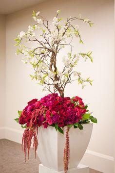 Glamourous Art Deco Wedding in Toronto, Flowers - Amber Richman, Cool, Green & Shady