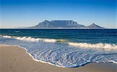 Beautiful Table Mountain in Cape Town Cape Town Holidays, Table Mountain Cape Town, Places To Travel, Places To Visit, Travel Destinations, Visit South Africa, City Break, Travel Information, Wonders Of The World
