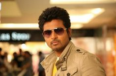 Sivakarthikeyan hits the gym for Taana! Taana is almost complete, barring a few scenes and a couple of songs, that need to be shot. Karate Photos, Sivakarthikeyan Wallpapers, Image Hero, Entertaining Movies, Remo, Cute Actors, Film Awards, Tamil Movies, Best Actor