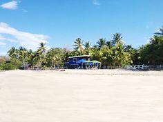 Spiaggia Penca, e sullo sfondo il Bach Club Villaggi Flor de Pacifico