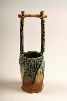Lenore Vanderkooi | Untitled basket, 1983; purchased in Nashville, Tennessee; stoneware; Gift of American Ceramic Society Collection