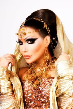Amazing drag makeup (Rachael Sommers)