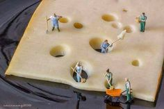 Miniature Photography: Making holes in cheese. by sairacaz (Abad Torres) on Macro Fotografie, Minis, Foto Picture, Miniature Calendar, Foto Fun, Urbane Kunst, Miniature Photography, Tiny World, People Art