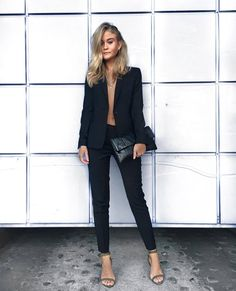 2019 Casual Fashion Trends For Women - Fashion Trends Party Outfits For Women, Party Dress Outfits, Winter Dress Outfits, Party Clothes, Outfit Winter, Winter Shoes, Winter Clothes, Dress Party, Mode Outfits