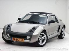 smart roadster. would love one of those!