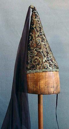 Black  cone hat