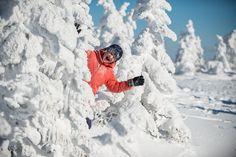Raquette en famille au parc national des Monts-Valin. / Snowshoeing with family at Monts-Valin national park. #raquette #hiver #saglac #quebec #snowshoeing #park #sepaq