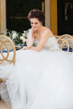 So obsessed with this bride's tulle wedding dress! | SY Photography