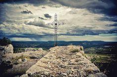 La croix by PhilippeC., via Flickr