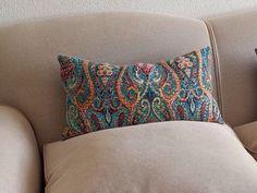 """ENTRE TELAS & ZEconZeta - """"Primero retapizamos el sofá y luego le añadimos un toque de color con esta maravillosa tela bordada de @zeconzeta"""" (""""SADE"""" de la Colección """"UNPLUGGED"""")  Más Info: http://www.entre-telas.com/ - isabelchinchilla@entre-telas.com - C/ Angel Yagüe Nº 2 Torrelodones Colonia - 28250 Madrid. España - Tlf: +34 918 594 593"""