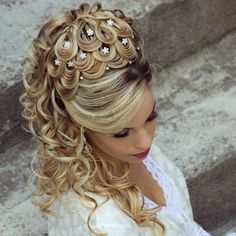 Black women have lovely wild hair which can be styled in lots of good wedding hairstyles such as for example braided beauty. Best Wedding Hairstyles, Girl Hairstyles, Braided Hairstyles, Popular Hairstyles, Pinterest Hair, Wild Hair, Hair Designs, Prom Hair, Hair Trends
