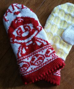 Knitting Pattern for Mario Mittens