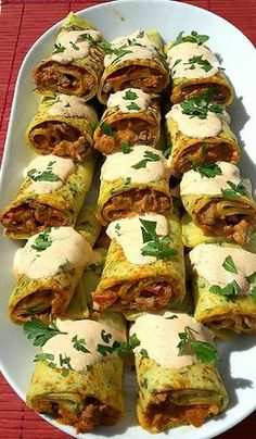 Sertésszűz krumplis palacsintába töltve Chicken Wrap Recipes, Meat Recipes, Cooking Recipes, Healthy Recipes, Hungarian Recipes, Hungarian Cuisine, Amazing Food Decoration, Asian Street Food, Non Plus Ultra