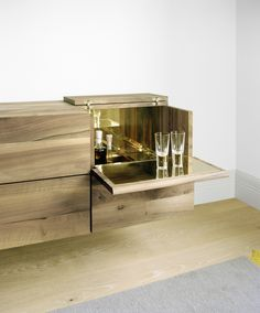 Wooden bar cabinet ARAQ By design Philipp Mainzer Mini Bars, Cabinet Furniture, Home Furniture, Furniture Design, Bar Countertops, Espace Design, Drinks Cabinet, Liquor Cabinet, Home And Deco