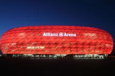 München, wäre nicht München ohne seine berühmte Allianz Arena. Hier kommt der deutsche Fußball so richtig in Fahrt...
