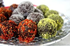 Clean Eating Cacao and Walnut Holiday Truffles...made with clean ingredients and they're raw, vegan, gluten-free, dairy-free, paleo-friendly and contain no refined sugar | The Healthy Family and Home