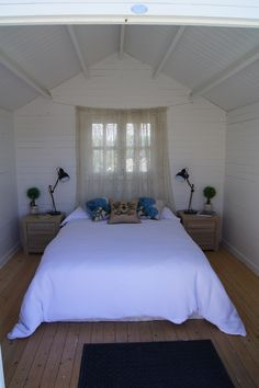 A She Shed makes the perfect spare room. #accommodation #sleepout