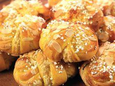 - Saffransbullar med fördeg - (kock Roy Fares) - Saffron-Almond filled Sweet Knots - using biga