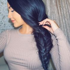 """""""Here's my 6th look with @GarnierUSA! The Double #FishtailBraid- I love wearing this with a chunky fall sweater ☕️ To get this look, I used the Sky High…"""""""