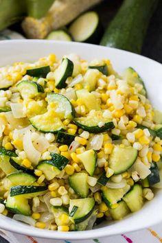 Fresh Corn and Zucchini Saute - Skinny Southern Recipes Zucchini Muffins, Zucchini Corn Recipe, Zucchini Dinner Recipes, Fresh Corn Recipes, Zucchini Side Dishes, Side Recipes, Vegetable Side Dishes, Vegetable Recipes, Chef Recipes