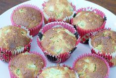 Des petits muffins printaniers bien sympas avec leur rhubarbe et les graines de sucre perlé croquantes… Temps de préparation : 15 minutes. ... Muffins, Breakfast, Food, Seeds, Morning Coffee, Muffin, Meals, Morning Breakfast, Cupcakes