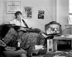 Patti Smith became amuse for so many photographers, such was her intensity and desire. Frank Stefanko's images of Patti Smith are perfect. Patti Smith, Tips Instagram, Join Instagram, Musica Punk, Just Kids, Old Western Movies, Self Pictures, Money Pictures, Morrison Hotel