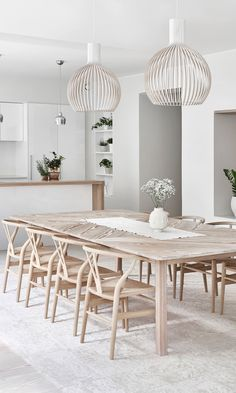 80 Heavenly Modern Farmhouse Dining Room Decor Ideas - Page 77 of 84 Farmhouse Dining Room Table, Marble Dining Tables, Wood Table, Coastal Dining Rooms, Fireplace In Dining Room, White Dining Room Furniture, White Dining Room Table, Woven Dining Chairs, Dining Room Lamps
