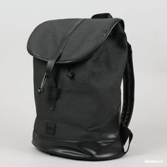88018c38143 Urban Classics Topcover Backpack černý za 1 090 Kč  Černý jednokomorový  batoh s páskovým zapínáním